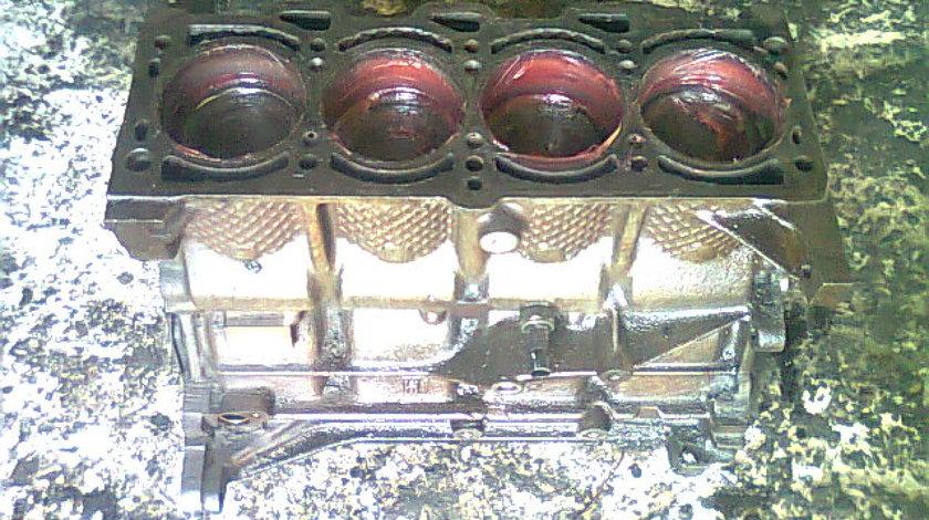 Bloc motor ambielat Fiat Bravo 1.4i; 182A3000/ 0431554