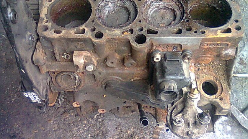 Bloc motor ambielat VW Passat B3 1.8i; AAM 058155