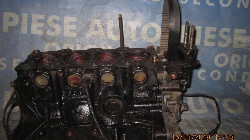 Bloc motor Mitsubishi Carisma 1.6i; 4G2