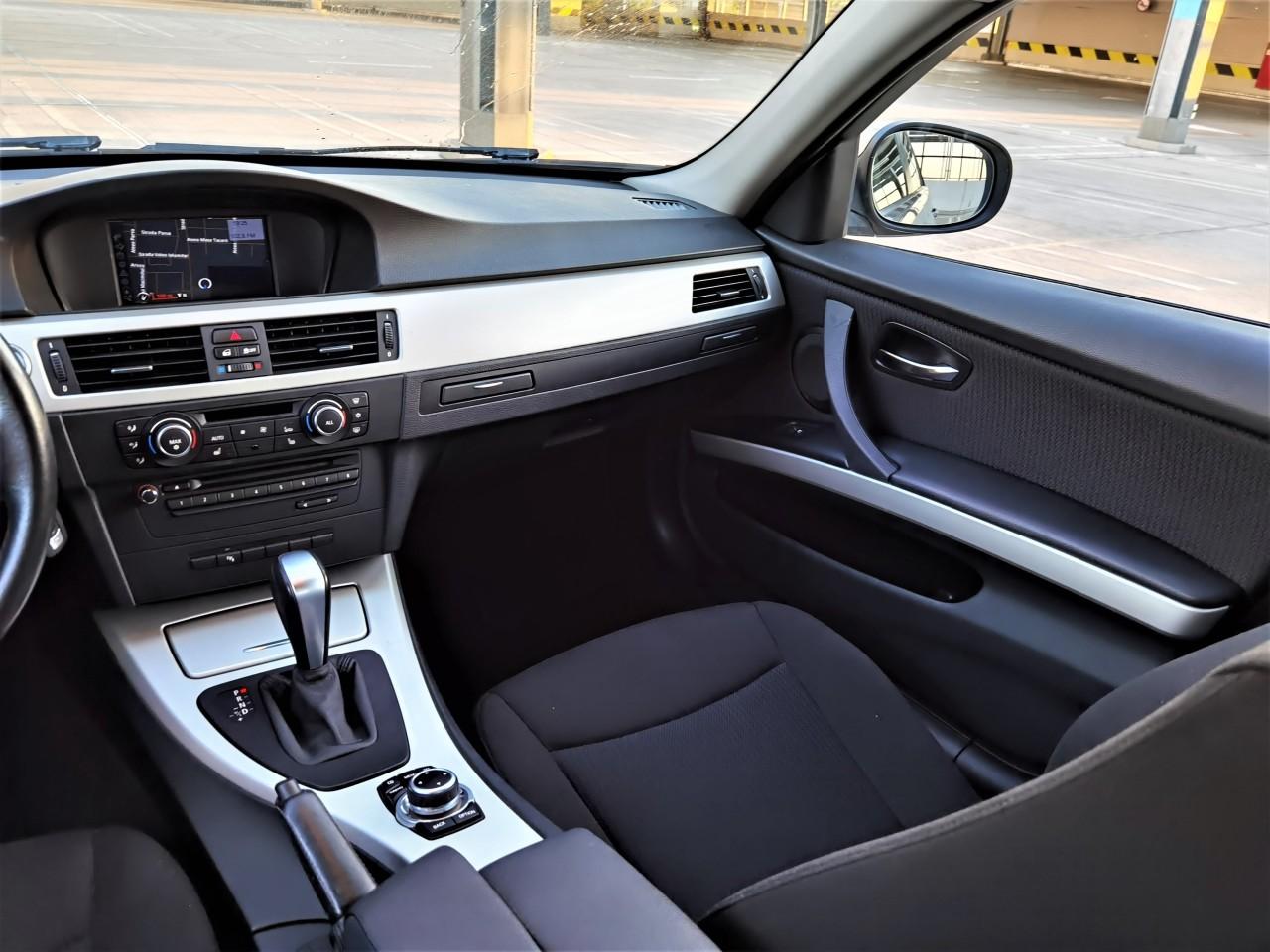 BMW 318 2.0 2011