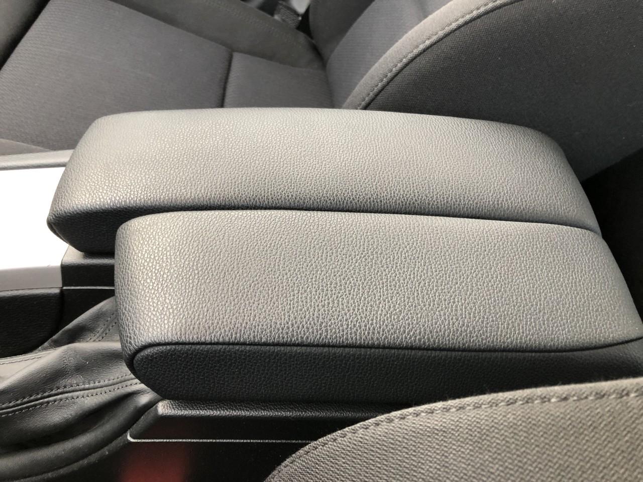 BMW 318 Diesel / Automata / Keyless Go-Entry / Bi-XENON / Navi MARE / Interior M (volan si scaune) / Camera faza scurta-lunga / Senzori parcare fata-spate / Scaune incalzite / RECENT ADUSA DIN GERMANIA!!! 2010