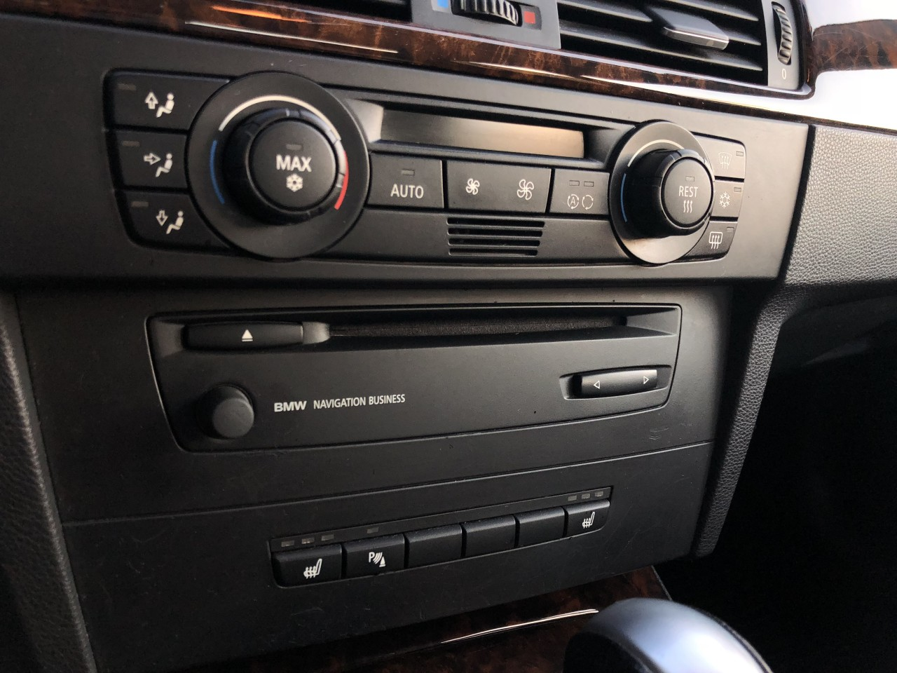 BMW 320 BMW 320d 163Cp Automata / Navigatie / Xenon / Senzori parcare fata+spate/ Scaune incalzite etc.. RECENT ADUSA DIN GERMANIA!!! 2006
