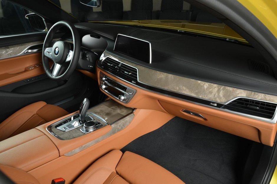 BMW 730Li in Austin Yellow