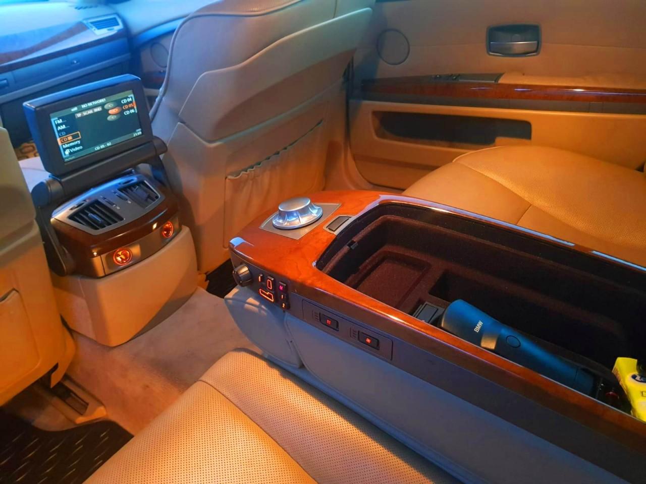 BMW 745 4.4i 2003