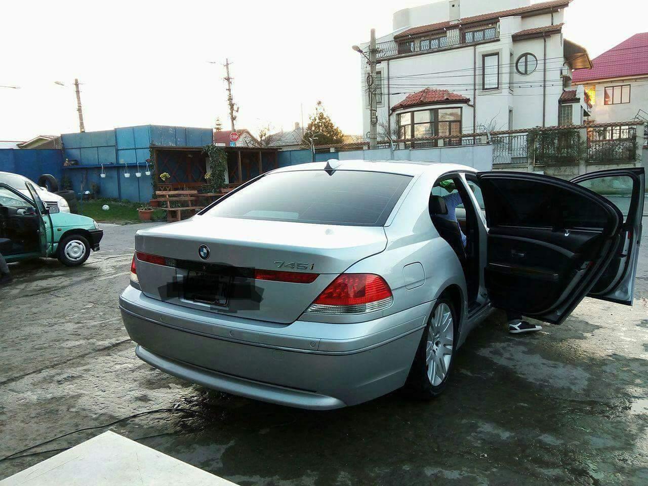 BMW 745 4.5 8-V 2003