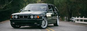 BMW a construit in anii '90 un M5 cu motor de McLaren F1, insa nu a spus niciodata la nimeni. Pana acum