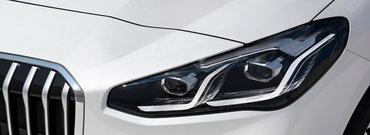 BMW a publicat acum toate pozele posibile si imposibile: noua masina a bavarezilor are motoare in trei cilindri si sisteme de tractiune fata. Cat costa