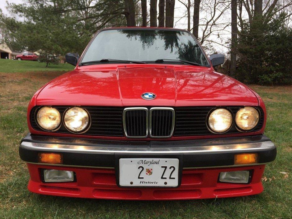 BMW E30 cu motor de Mustang GT