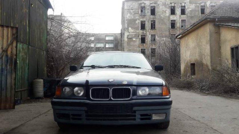 BMW E36 318i 1.8i M40 1993; Sedan