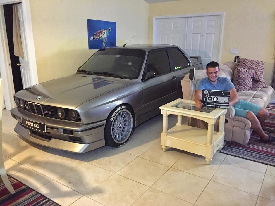 BMW M3 in living