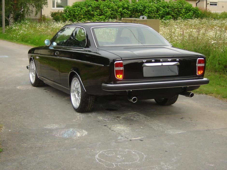 BMW M3 transformat in Volvo 162