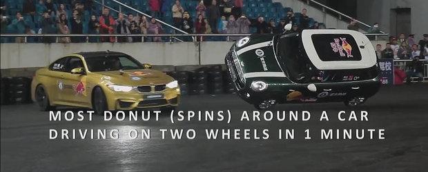 BMW M4 bate recordul pentru cele mai multe cerculete in jurul unei masini in miscare