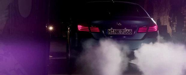 BMW M5 celebreaza 30 de ani de existenta cu mult fum si efecte speciale