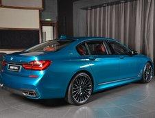 BMW M760Li xDrive in nuanta Long Beach Blue