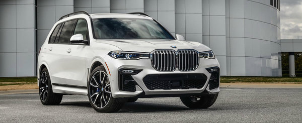 BMW publica noi fotografii cu X7, SUV-ul cu cele mai mari grile din parcare