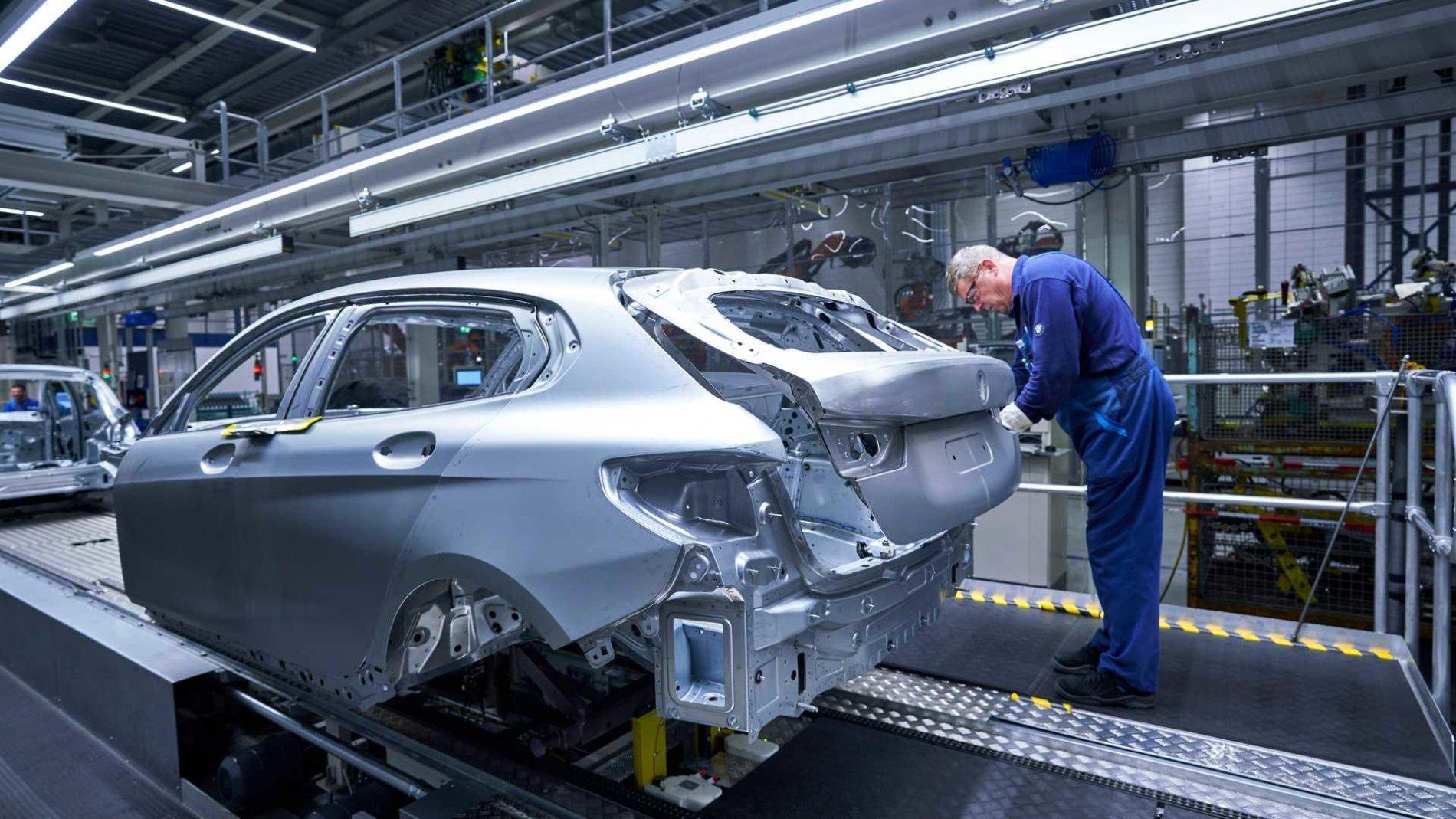 BMW Seria 1 - Poze de pe linia de productie - BMW Seria 1 - Poze de pe linia de productie