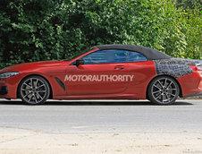 BMW Seria 8 Cabrio in rosu