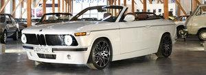 BMW-ul Seria 1 este de nerecunoscut. Compania producatoare l-a facut sa arate ca un 2002