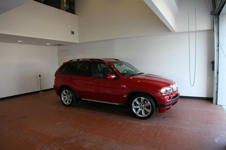BMW X5 cu 11.136 kilometri la bord