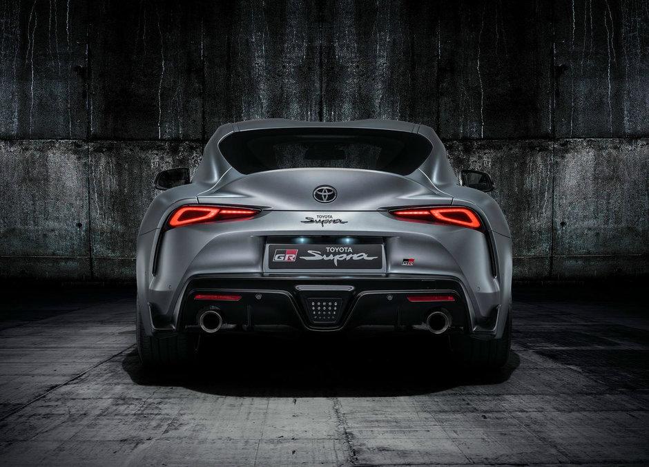 BMW Z4 versus Toyota Supra