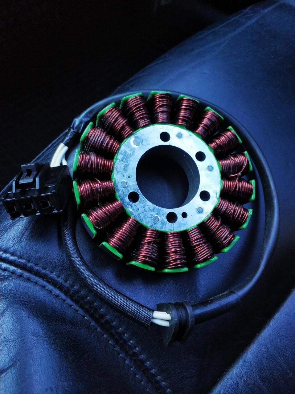 Bobina noua Yamaha Yzf 2006 - 2011 2012 2013 2014 stator alternator