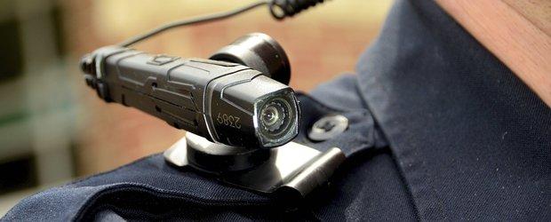 BOUreanu a facut si ceva bun: Politistii ar putea fi dotati cu camere video montate pe corp