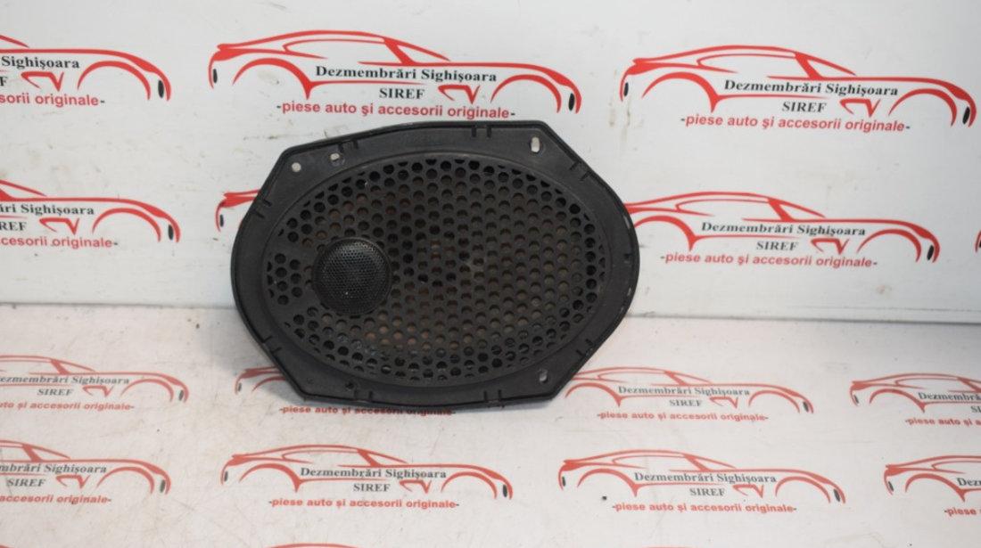 Boxa usa fata dreapta Ford Fiesta 2005 292