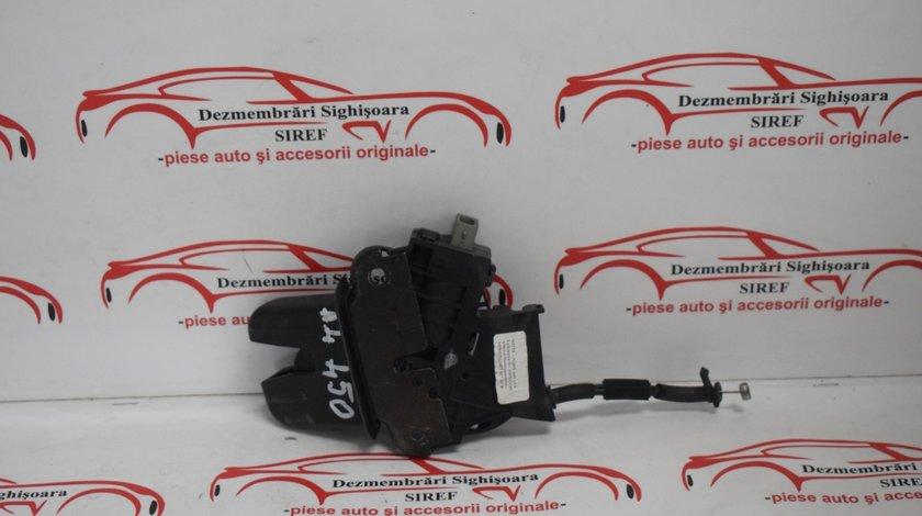 Broasca haion Audi A4 B7 2.0 tdi 4E0827505C sedan 450