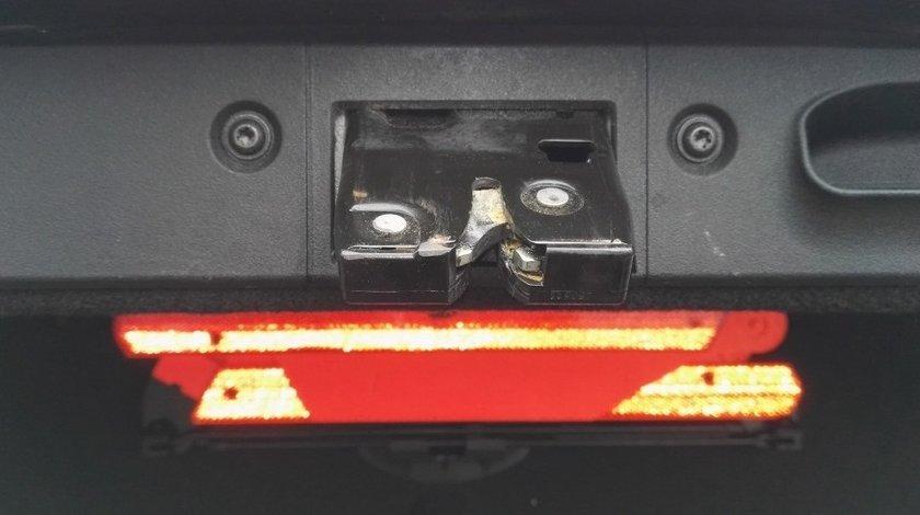 Broasca incuietoare portbagaj Mercedes E class w211 Facelift
