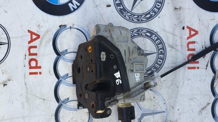 Broasca stanga usa VW Passat B6
