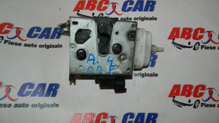 Broasca usa dreapta fata Audi A4 B5 cod: 4D1837016D cod: 2000