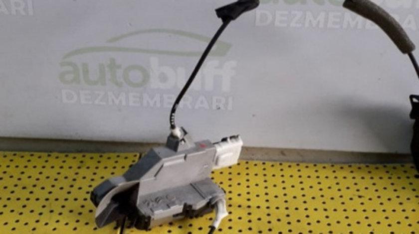 Broasca Usa Dreapta Fata Peugeot 308 (2007-2013) oricare PSA567151