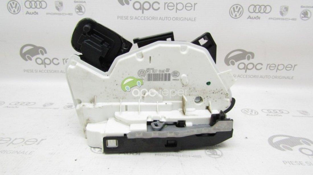 Broasca usa dreapta fata VW Jetta 5C / VW GOLF 7 / Skoda Yeti / Seat Leon - Cod: 5K1837016E