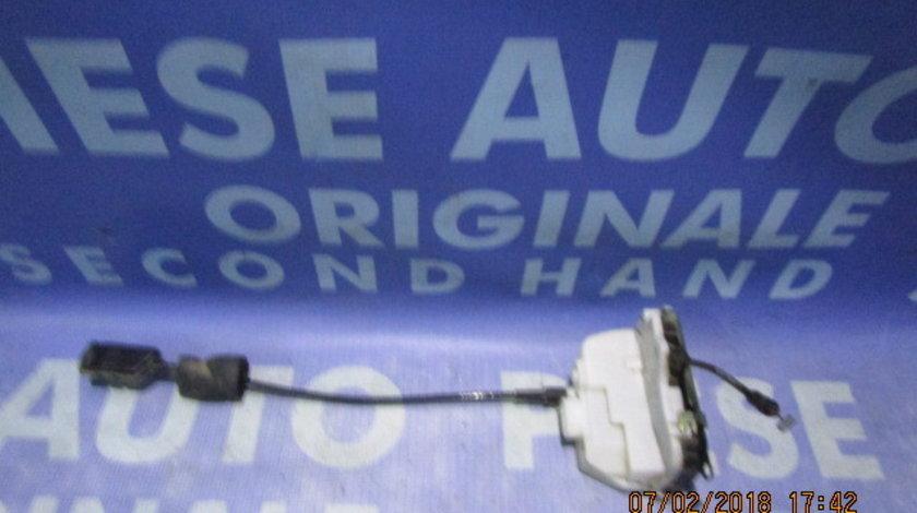 Broasca usa Renault Vel Satis  (spate)
