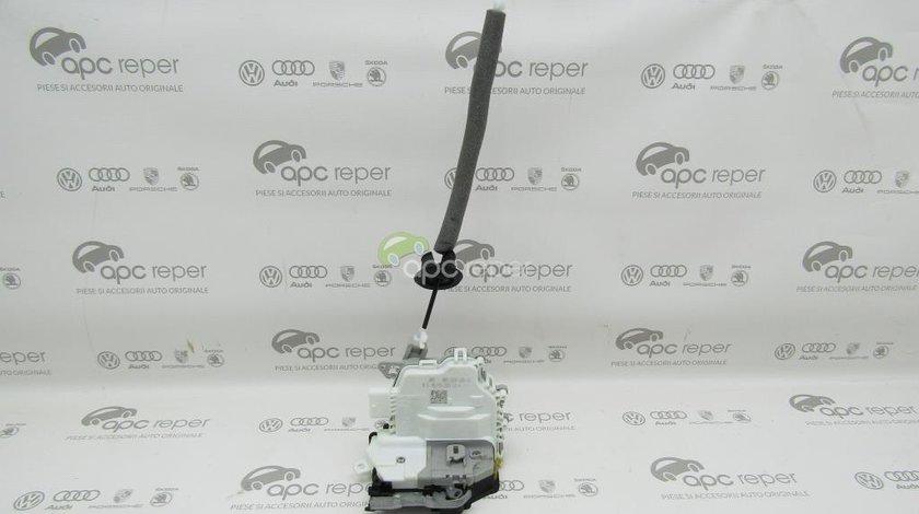 Broasca usa spate stanga Audi A5 8T / A4 B8 8K / A3 8V / Q3 / Q5 8R - Cod: 8K0839015H