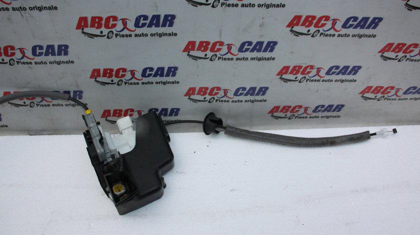 Broasca usa stanga fata Audi A1 8X 2010-20188X1837015C