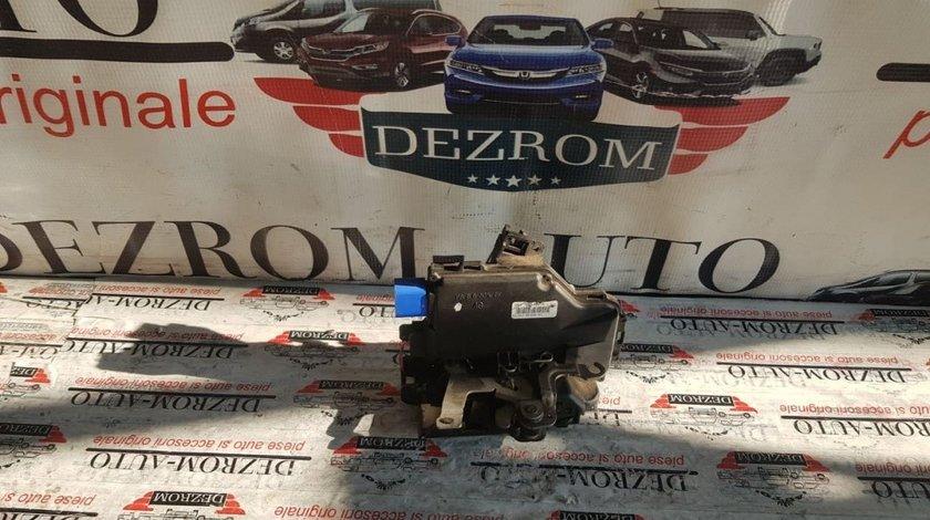 Broasca usa stanga spate Seat Toledo III cod piesa : 7L0839015