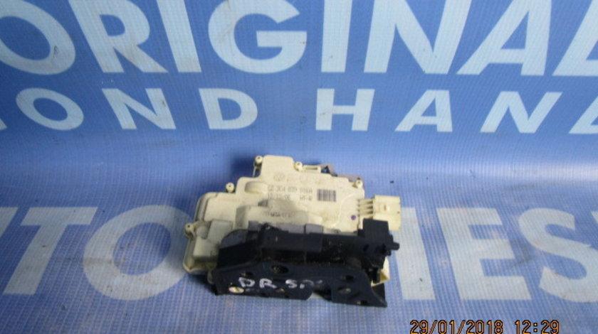 Broasca usa VW Passat B6 ;  3C4839015A // 3C4839016A