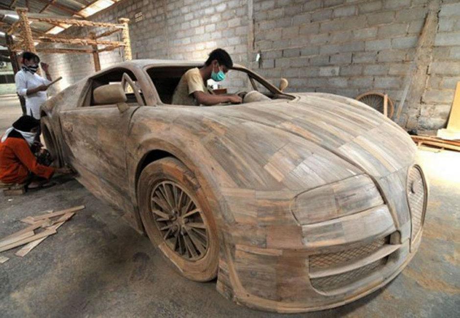 Bugatti Veyron din lemn