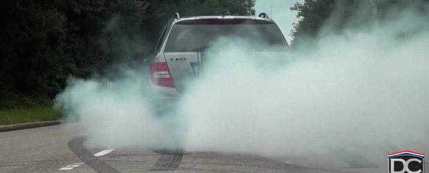 Burnout in plina strada cu un Mercedes C63 AMG Break