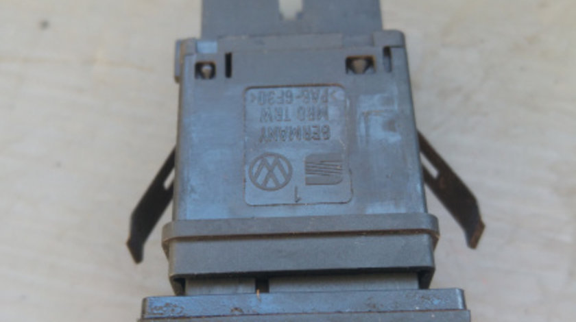 Buton dezaburire luneta vw transporter t5 2003-2010 7e0959621