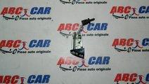 Butuc usa stanga fata Audi A4 B8 8K cod: 8T1283716...