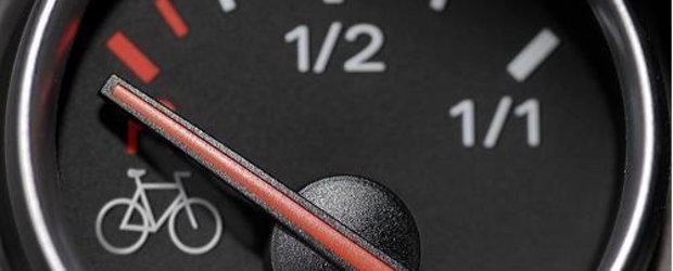 Cadou de 8 Martie pentru soferite: o noua scumpire a benzinei