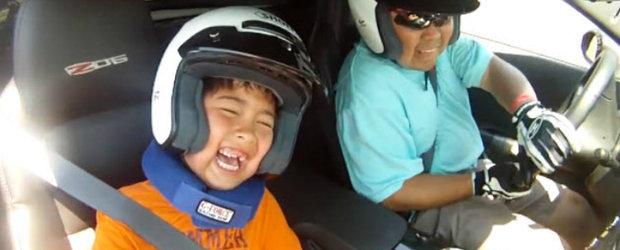 Cadou de la tata pentru fiu: O tura de neuitat la bordul unui Chevy Corvette Z06