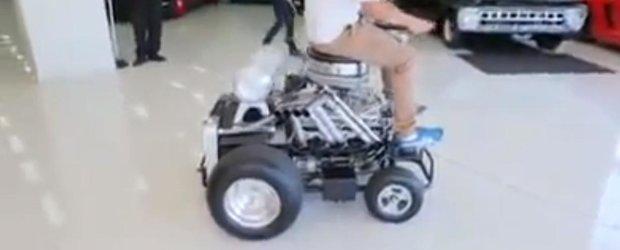 Cadoul ideal pentru orice barbat: scaunul de bar cu motor V8