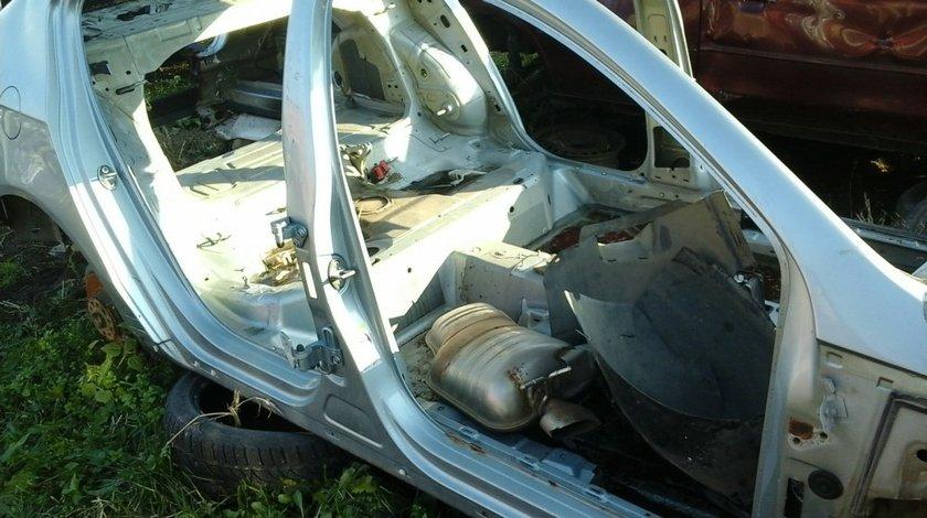 Cadru lateral dreapta VW Passat 3C b6 an 2005-2010