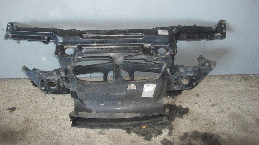 Calandru BMW Seria 3 E46 2.0D