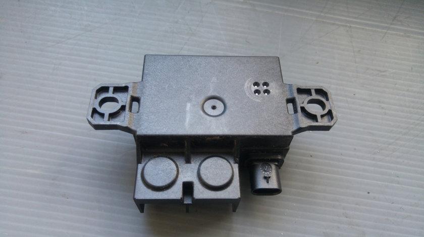 Calculator borna baterie mercedes a-class w176 b-class w246 a0009822023