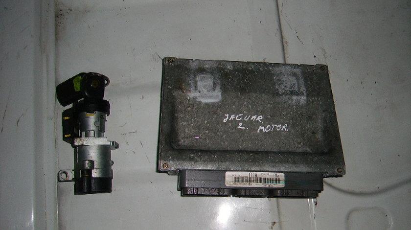 Calculator motor cu cip Jaguar S-Type 3.0 v6; XR8A-12A650-NBA (cu contact)