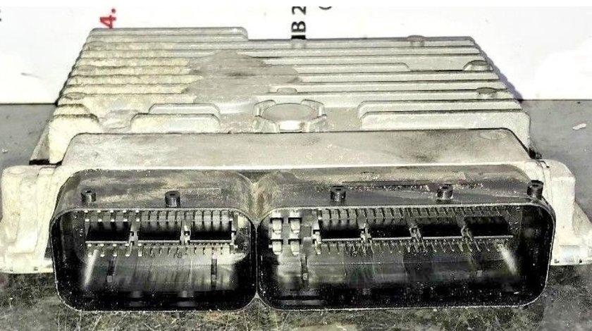 Calculator motor (ecu) 03l906023h 5wp42811aa vw jetta III 1.6 tdi
